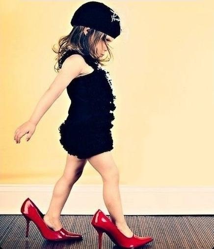 fetita-pantofi