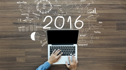 20151229200150-2016-laptop-new-year-creative