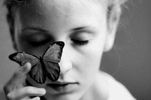 femeie-fluture